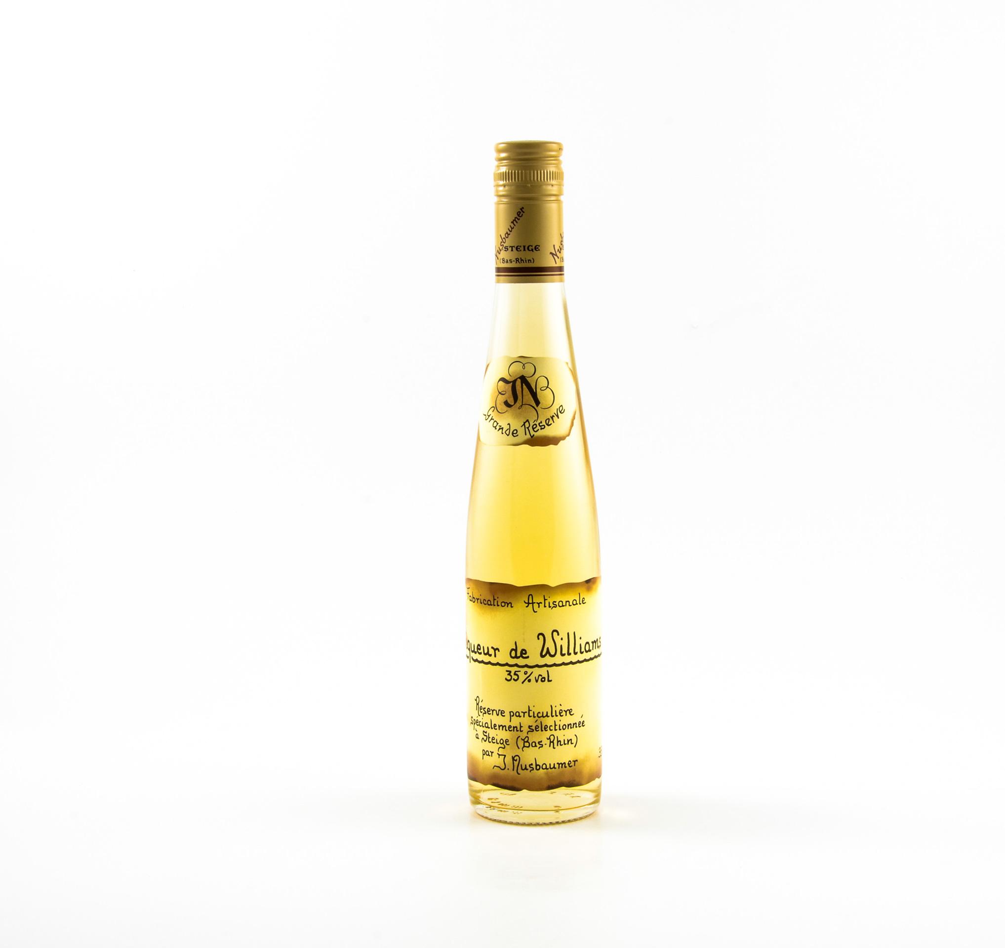 Liqueurs de poire williams nusbaumer maison lemaitre for Alcool de poire maison